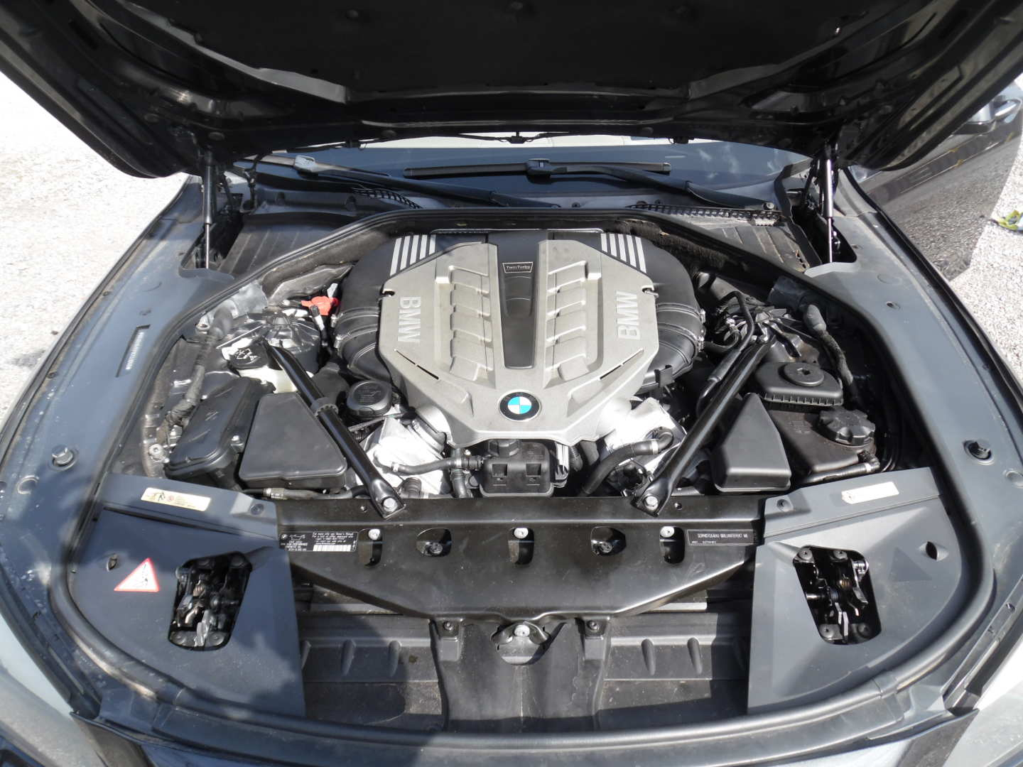 10th Image of a 2009 BMW 750IL