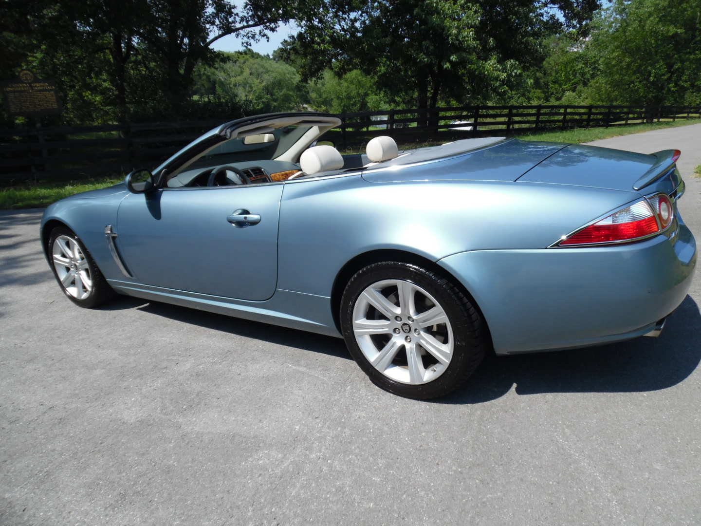 3rd Image of a 2007 JAGUAR XK