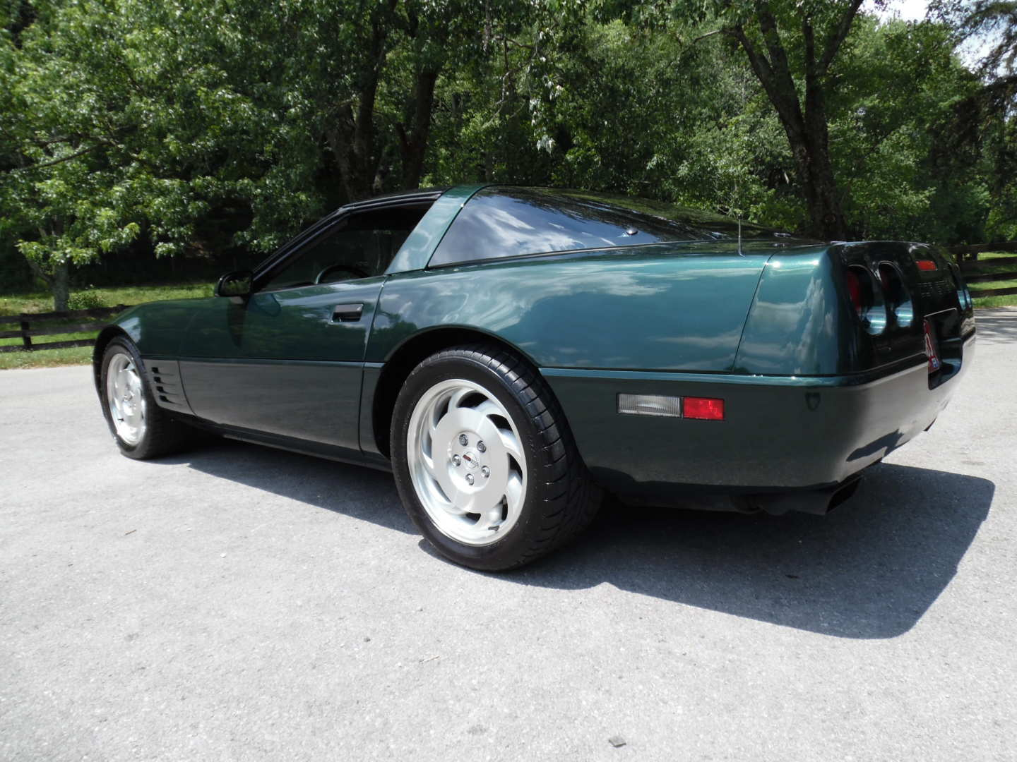 2nd Image of a 1994 CHEVROLET CORVETTE