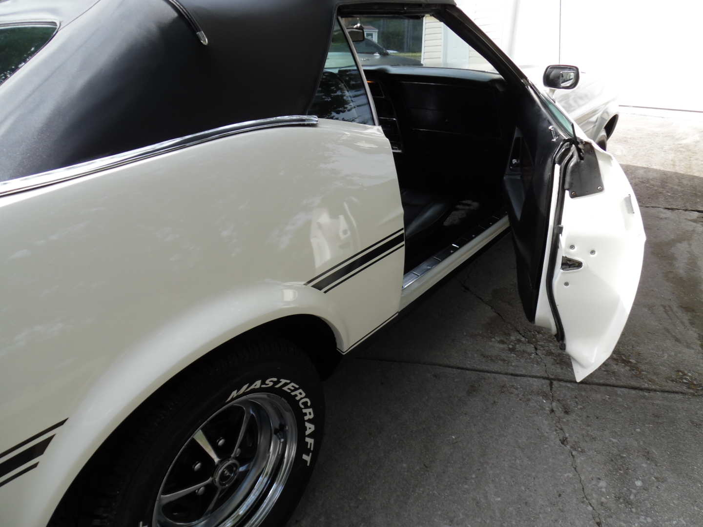 14th Image of a 1972 FORD MUSTANG