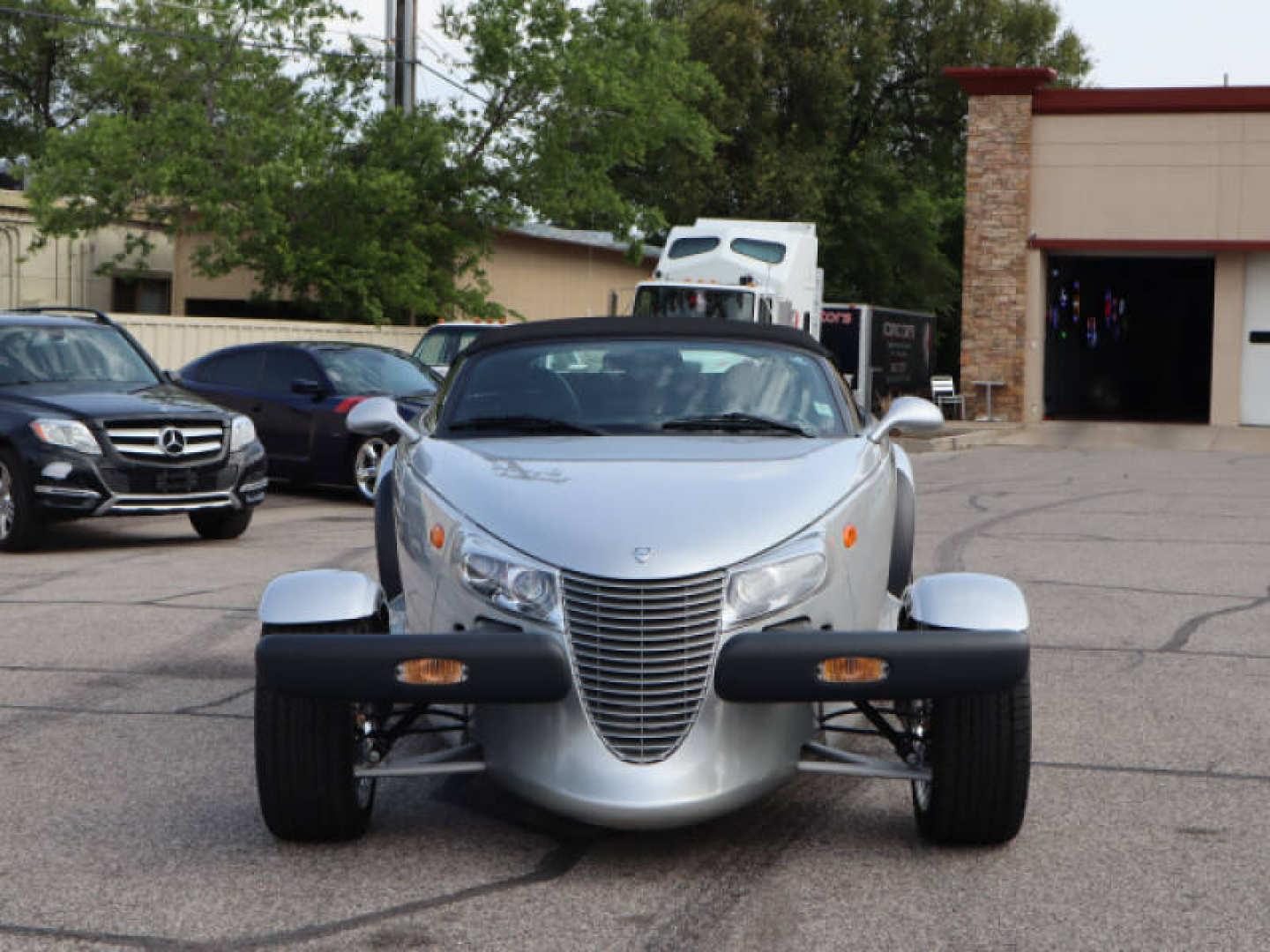 3rd Image of a 2000 PLYMOUTH PROWLER
