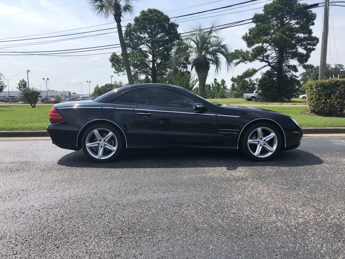 2nd Image of a 2004 MERCEDES-BENZ SL500