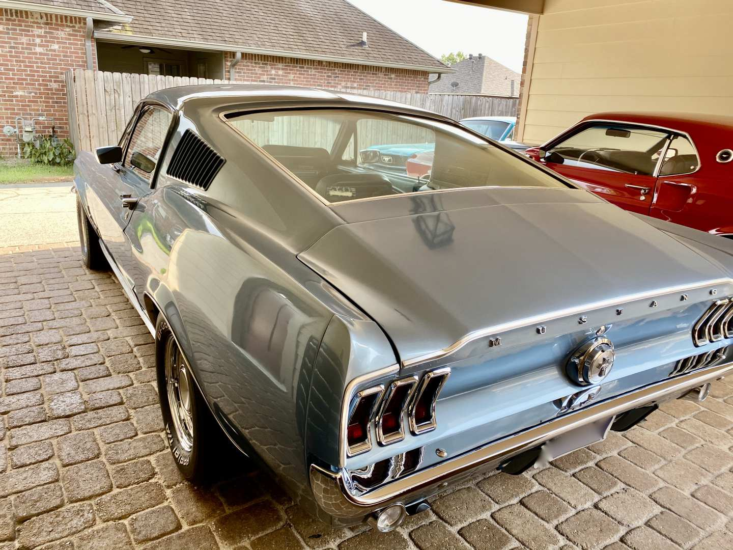 3rd Image of a 1967 FORD MUSTANG