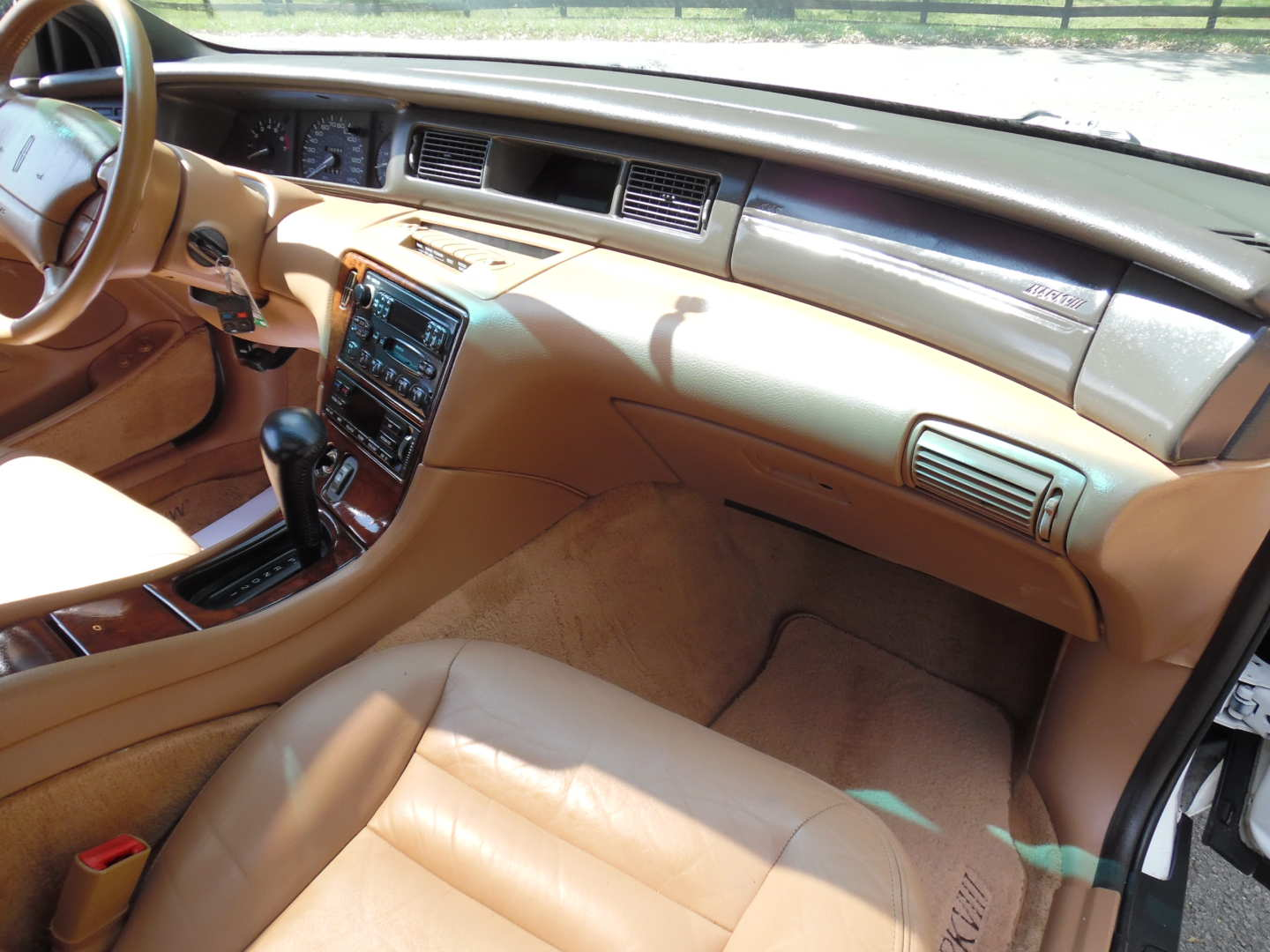 9th Image of a 1995 LINCOLN MARK VIII