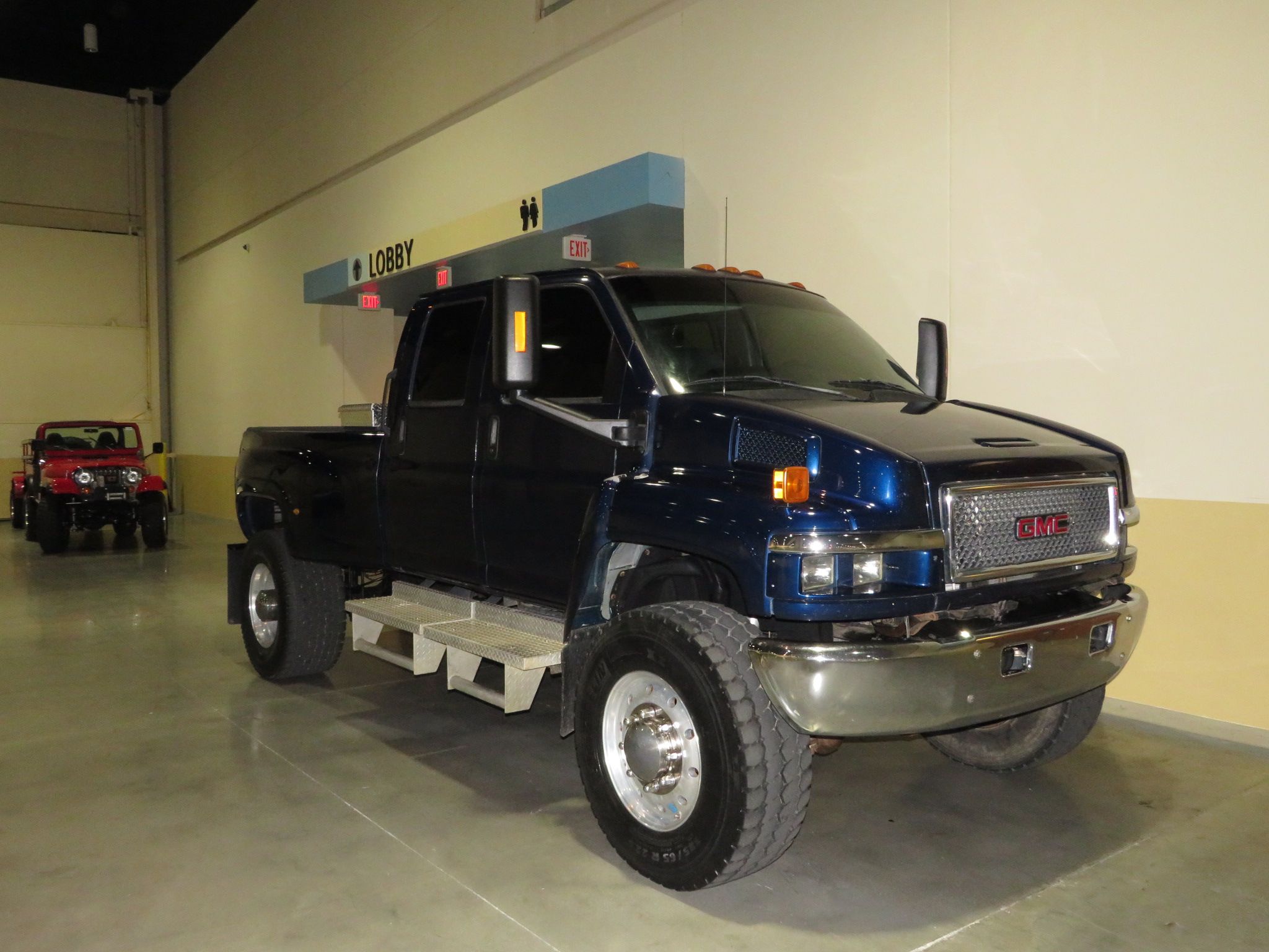 3rd Image of a 2008 GMC C4500 C