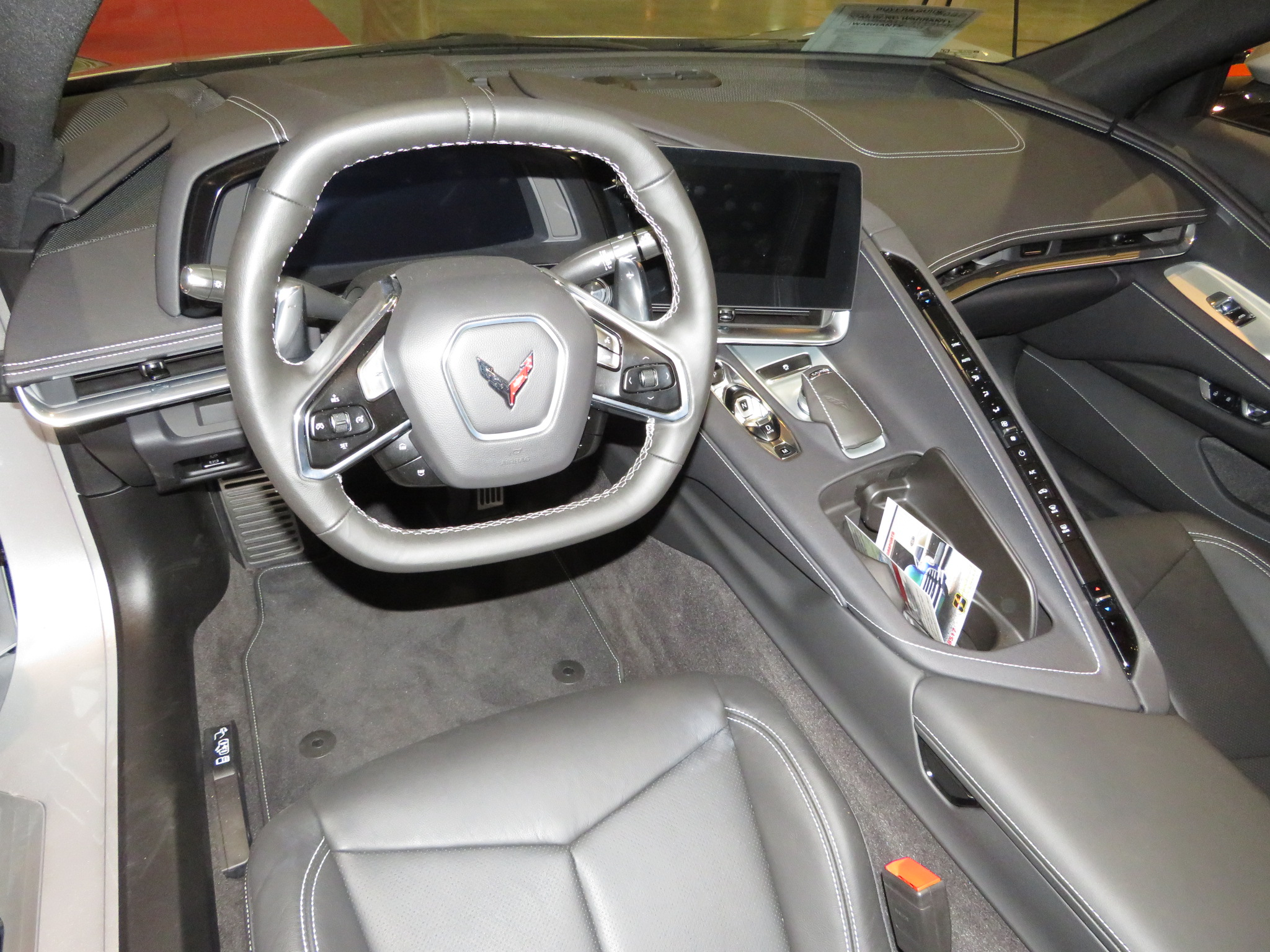 4th Image of a 2020 CHEVROLET CORVETTE STANDARD 1LT