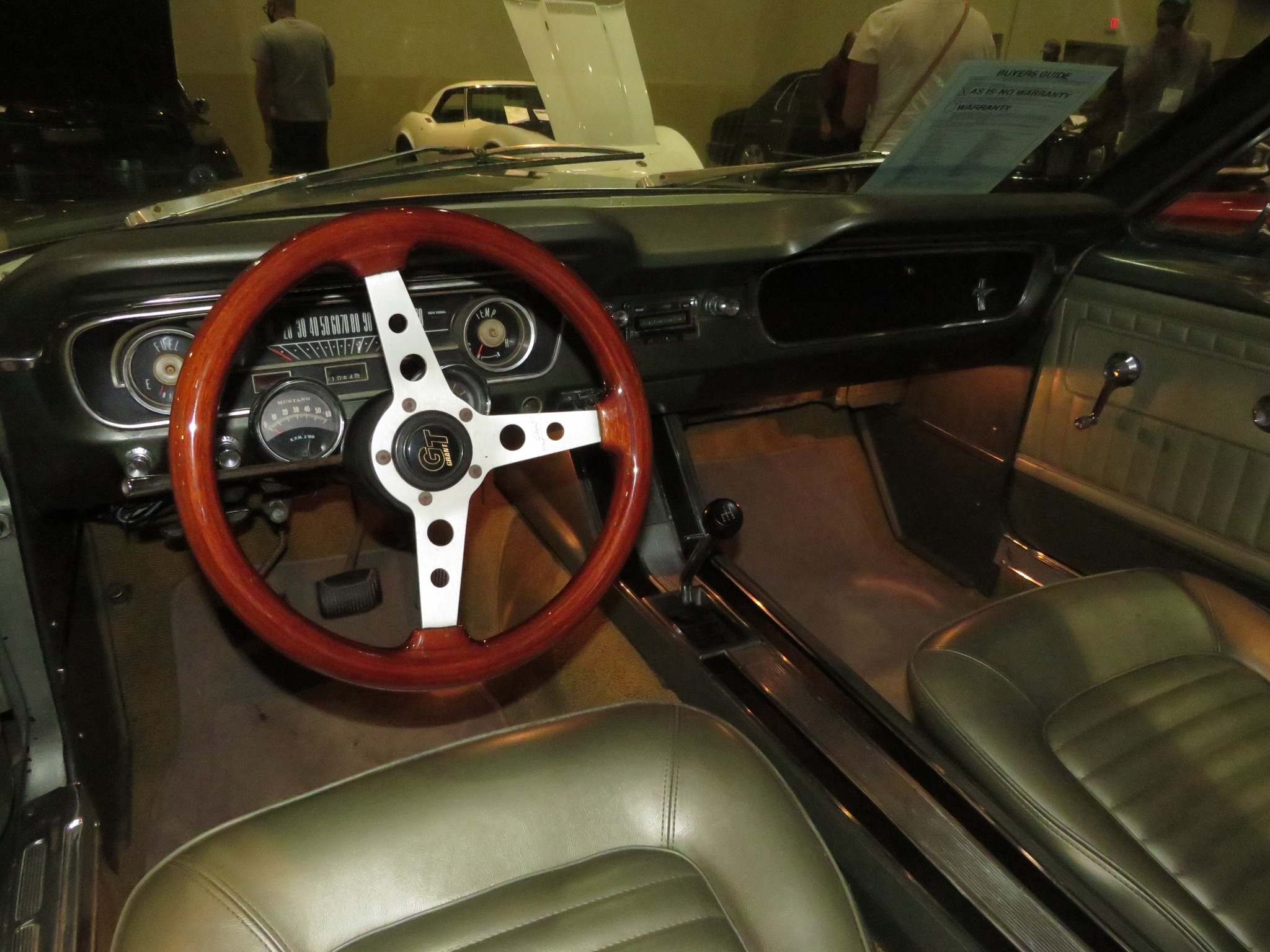 3rd Image of a 1965 FORD MUSTANG