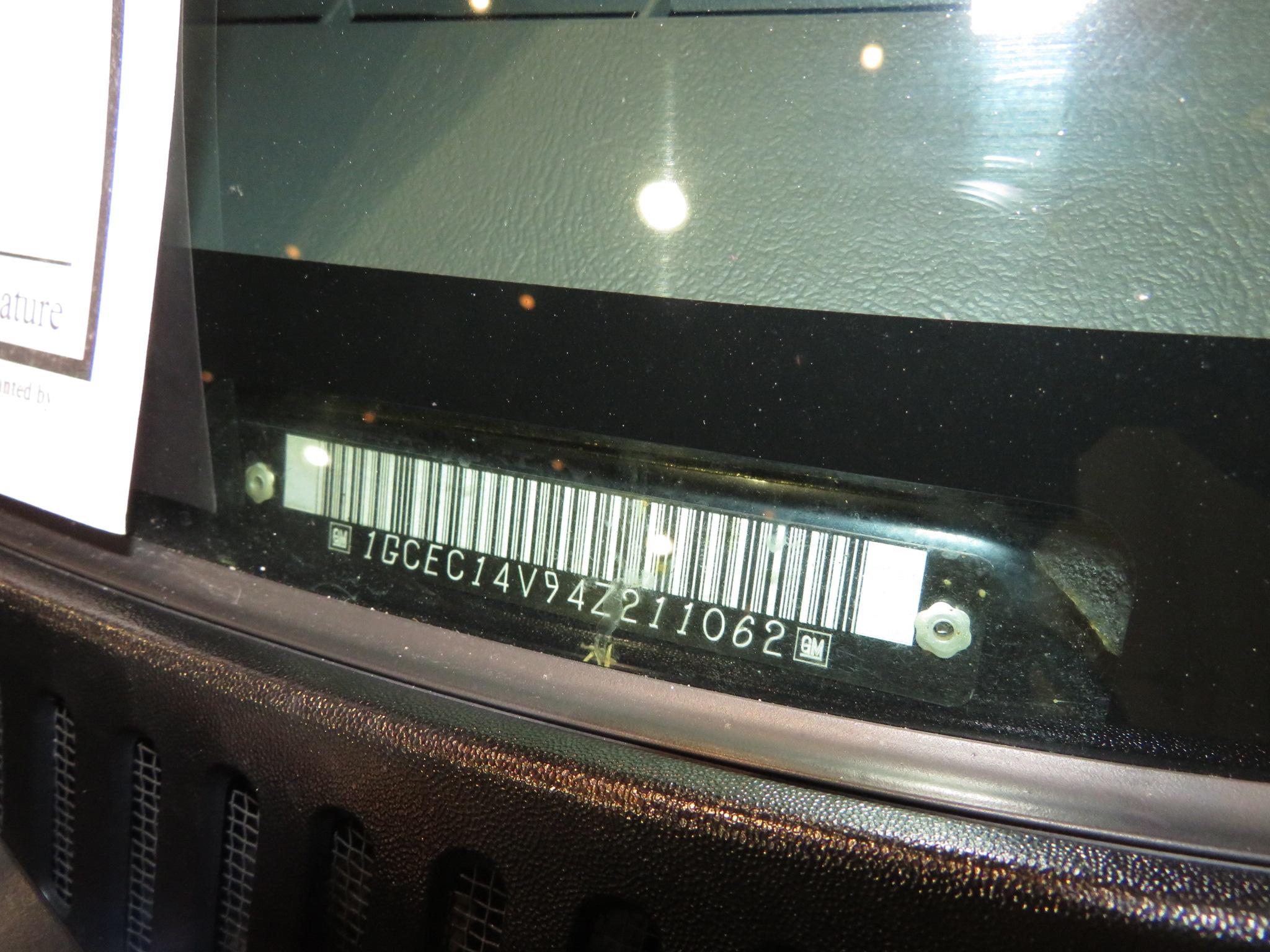 4th Image of a 2004 CHEVROLET SILVERADO 1500 RST