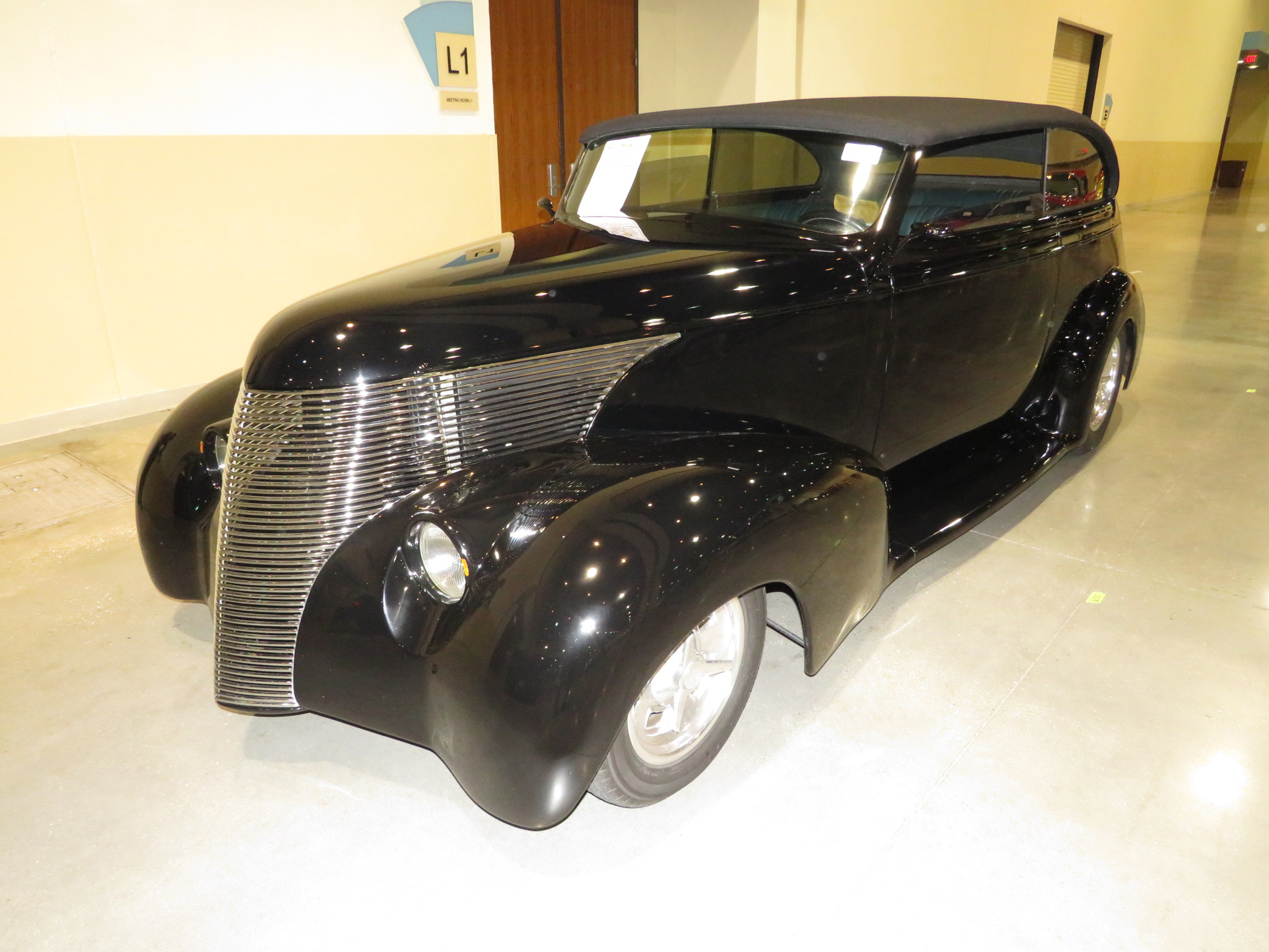 2nd Image of a 1939 CHEVROLET CUSTOM
