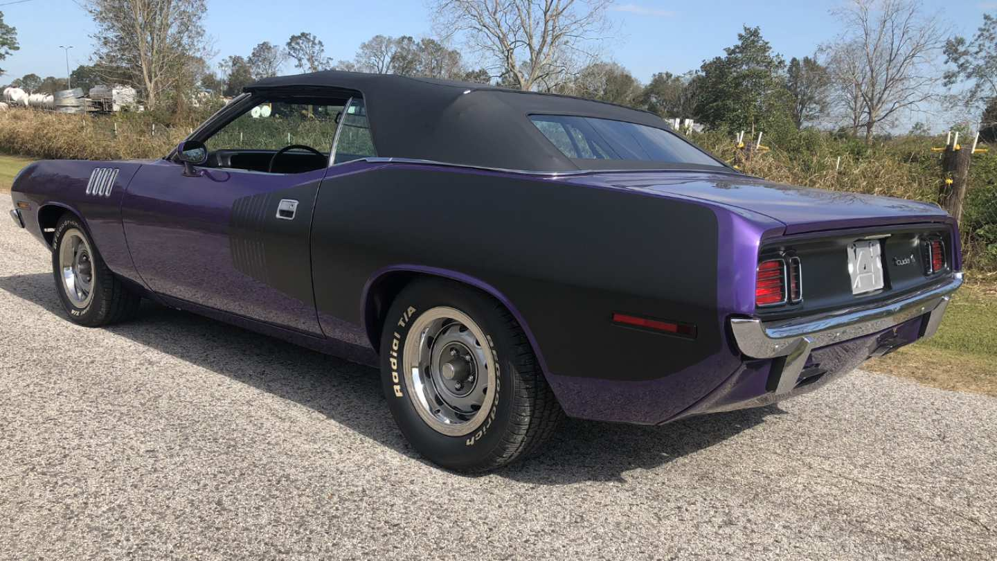 2nd Image of a 1971 PLYMOUTH BARRACUDA