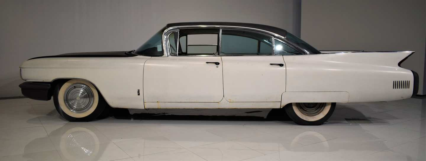 2nd Image of a 1960 CADILLAC FLEETWOOD