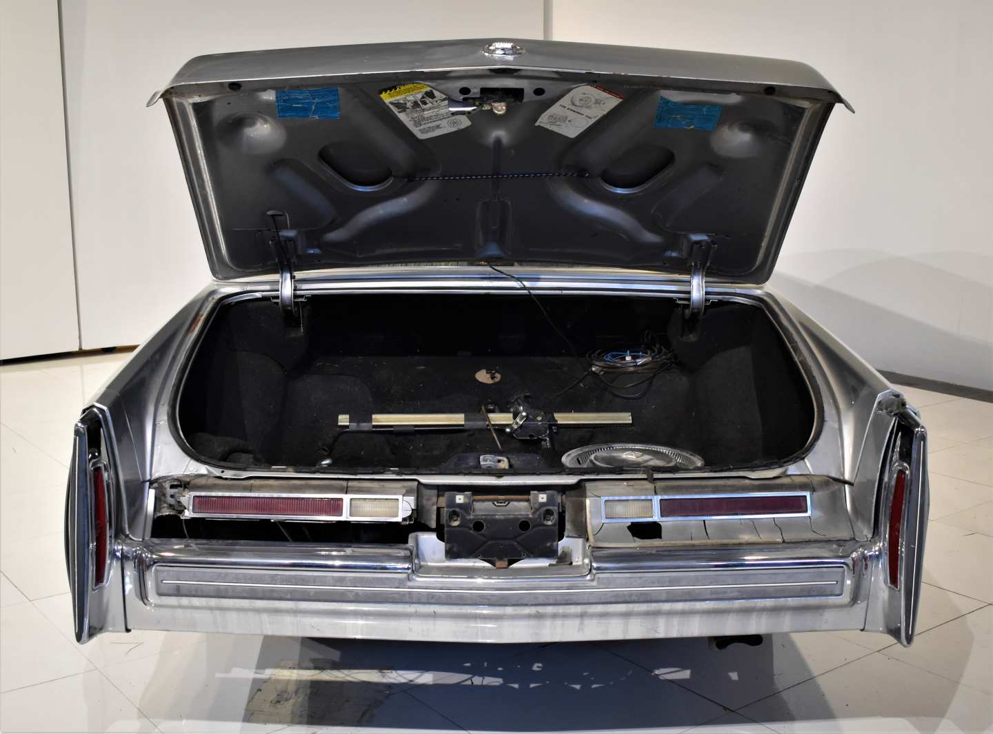 8th Image of a 1976 CADILLAC BROUGHAM