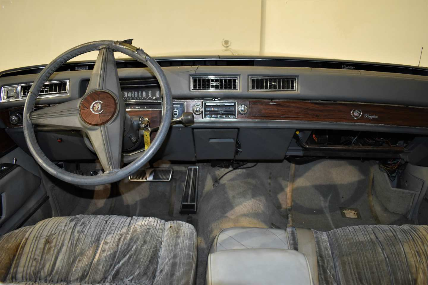 9th Image of a 1976 CADILLAC BROUGHAM