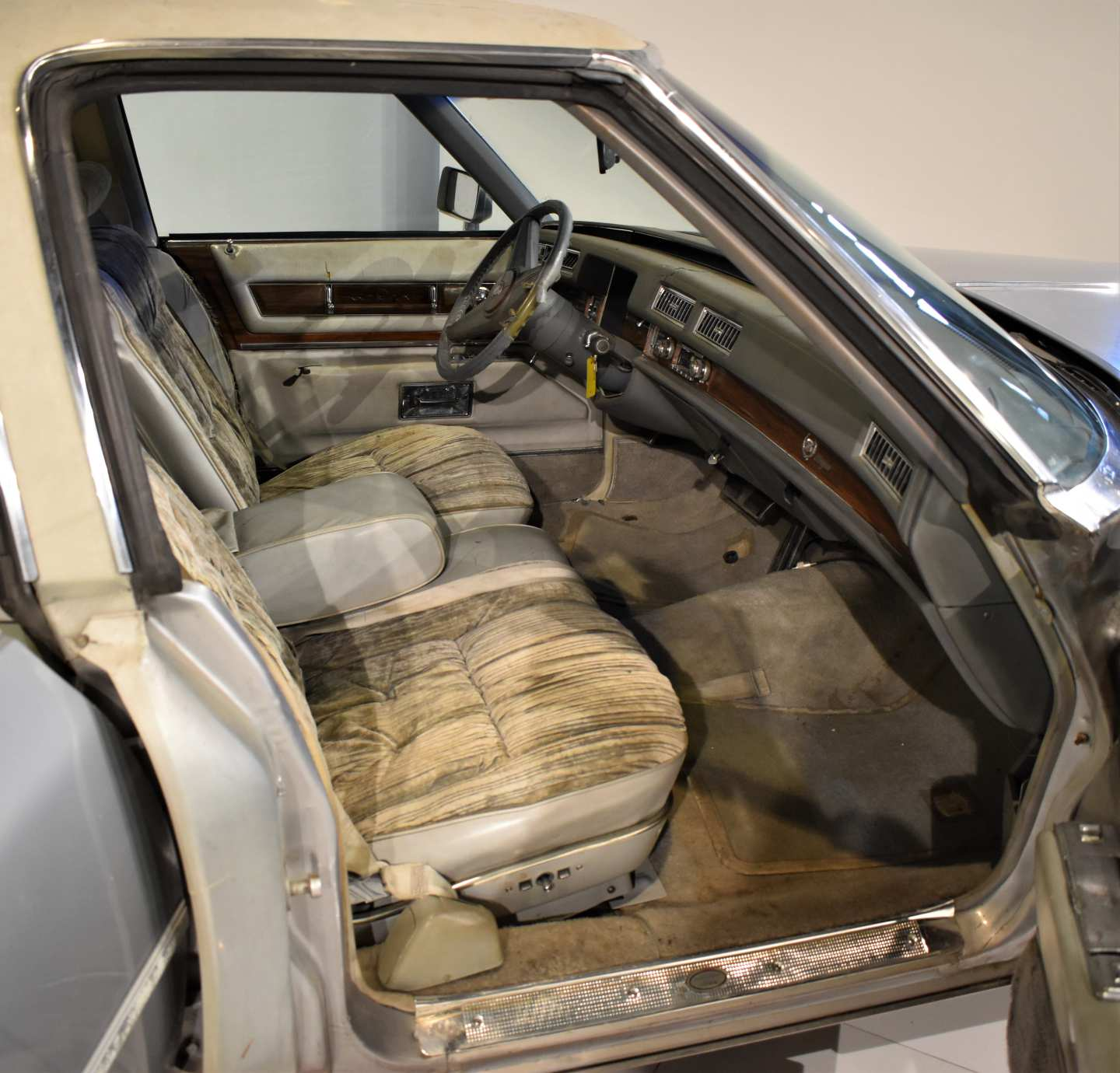 12th Image of a 1976 CADILLAC BROUGHAM