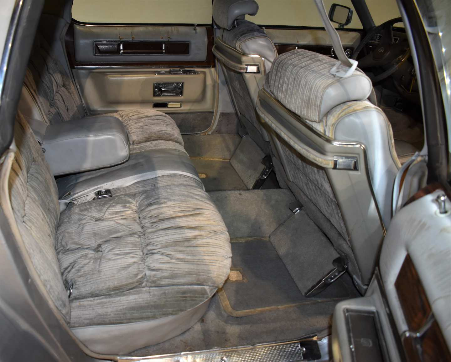 14th Image of a 1976 CADILLAC BROUGHAM