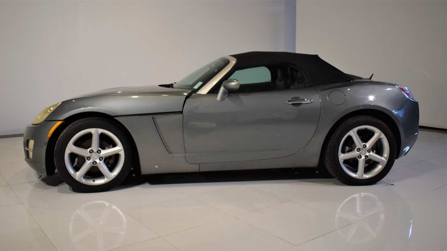 4th Image of a 2007 SATURN SKY