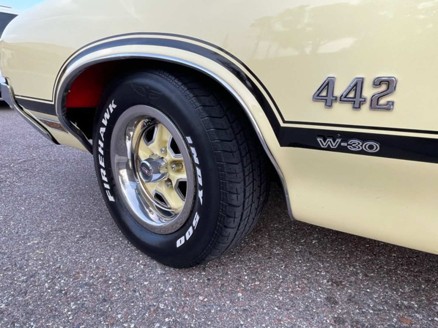 3rd Image of a 1970 OLDSMOBILE CUTLASS