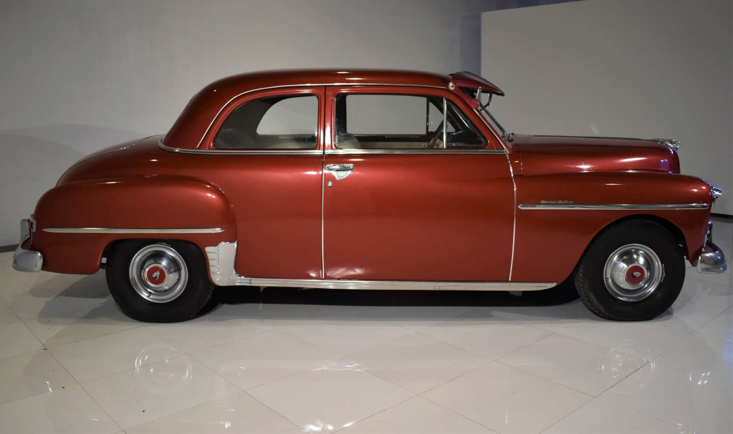 2nd Image of a 1950 PLYMOUTH DELUXE