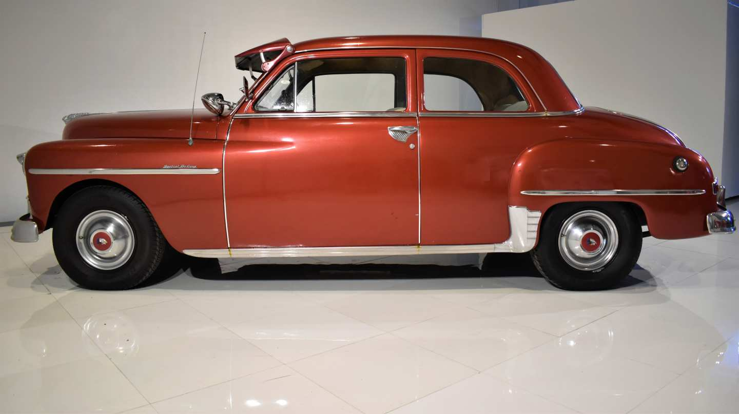 3rd Image of a 1950 PLYMOUTH DELUXE