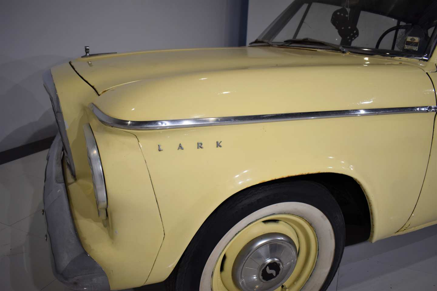 2nd Image of a 1963 STUDEBAKER LARK