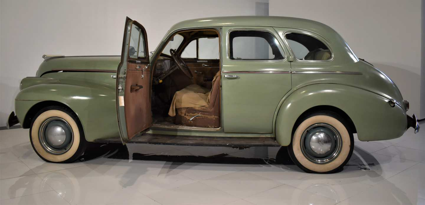 4th Image of a 1940 OLDSMOBILE 60 SERIES