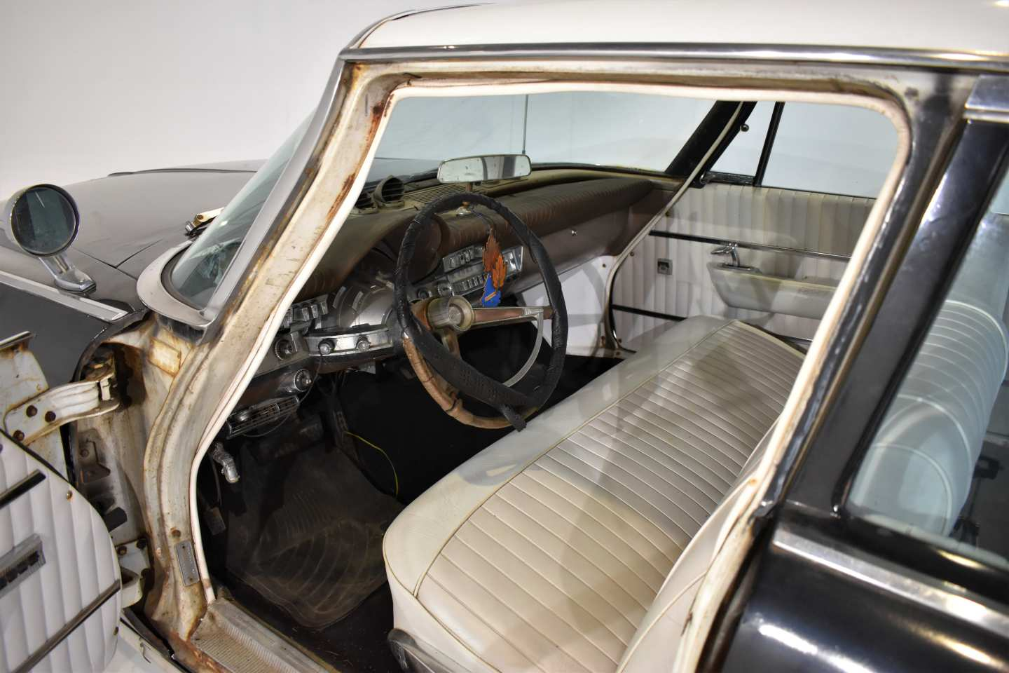 9th Image of a 1962 CHRYSLER NEW YORKER
