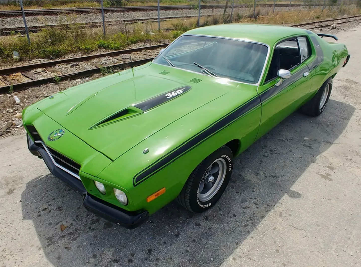 2nd Image of a 1973 PLYMOUTH ROADRUNNER