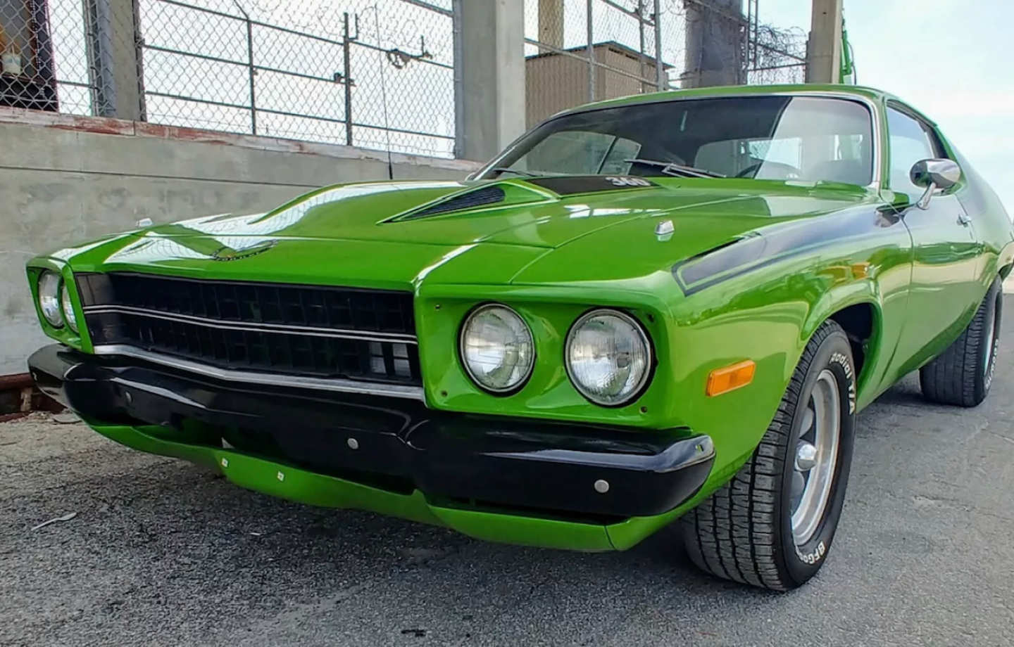 3rd Image of a 1973 PLYMOUTH ROADRUNNER