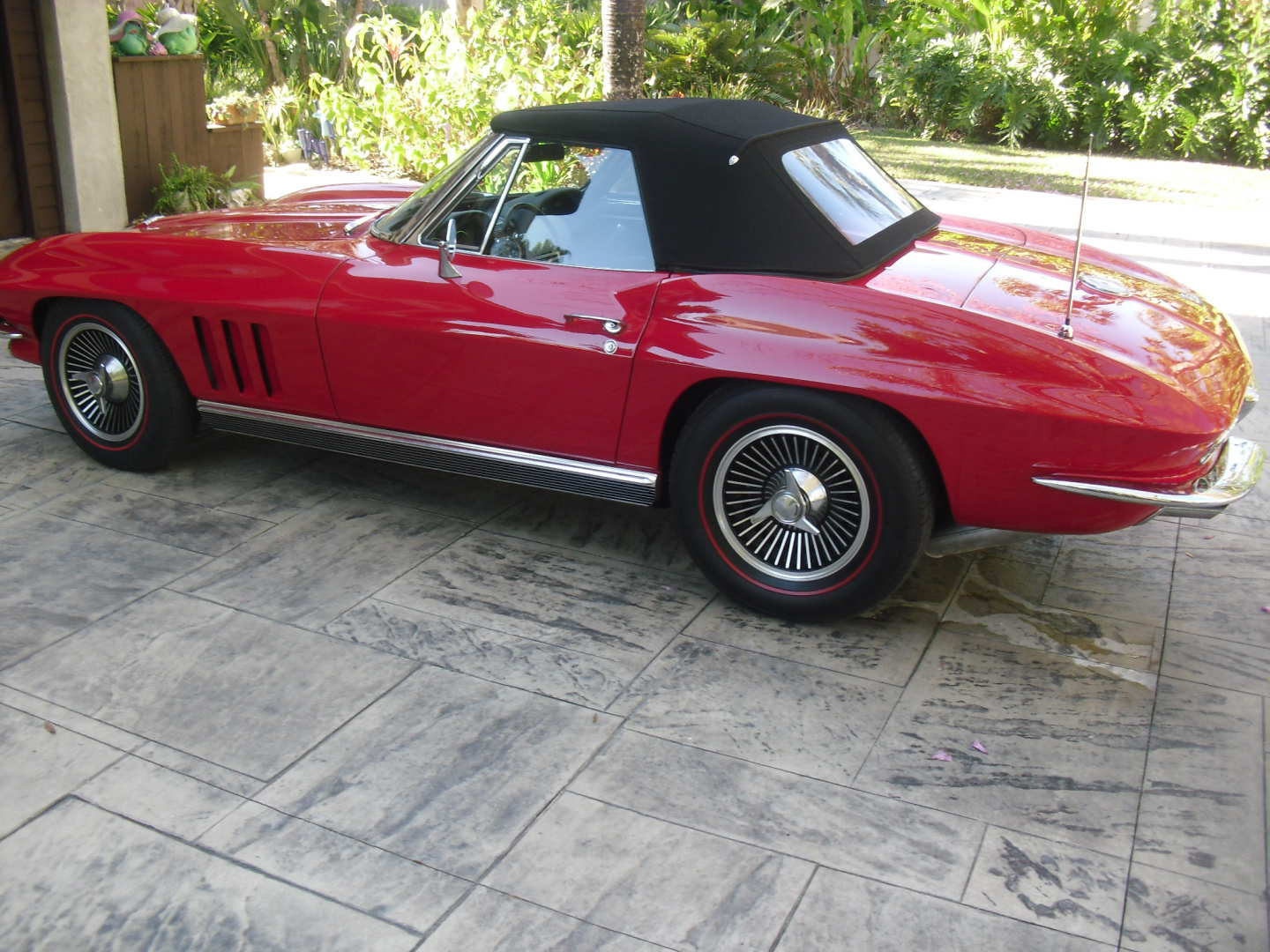 2nd Image of a 1966 CHEVROLET CORVETTE