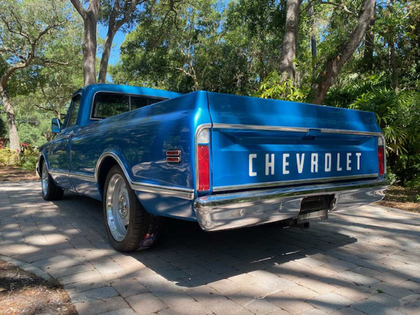 2nd Image of a 1968 CHEVROLET C10