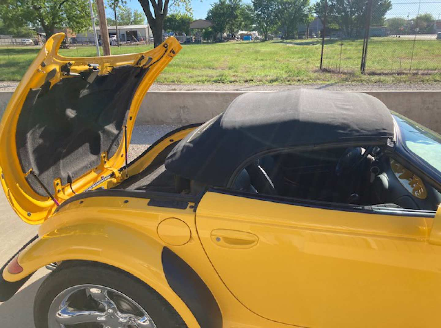 5th Image of a 2000 PLYMOUTH PROWLER