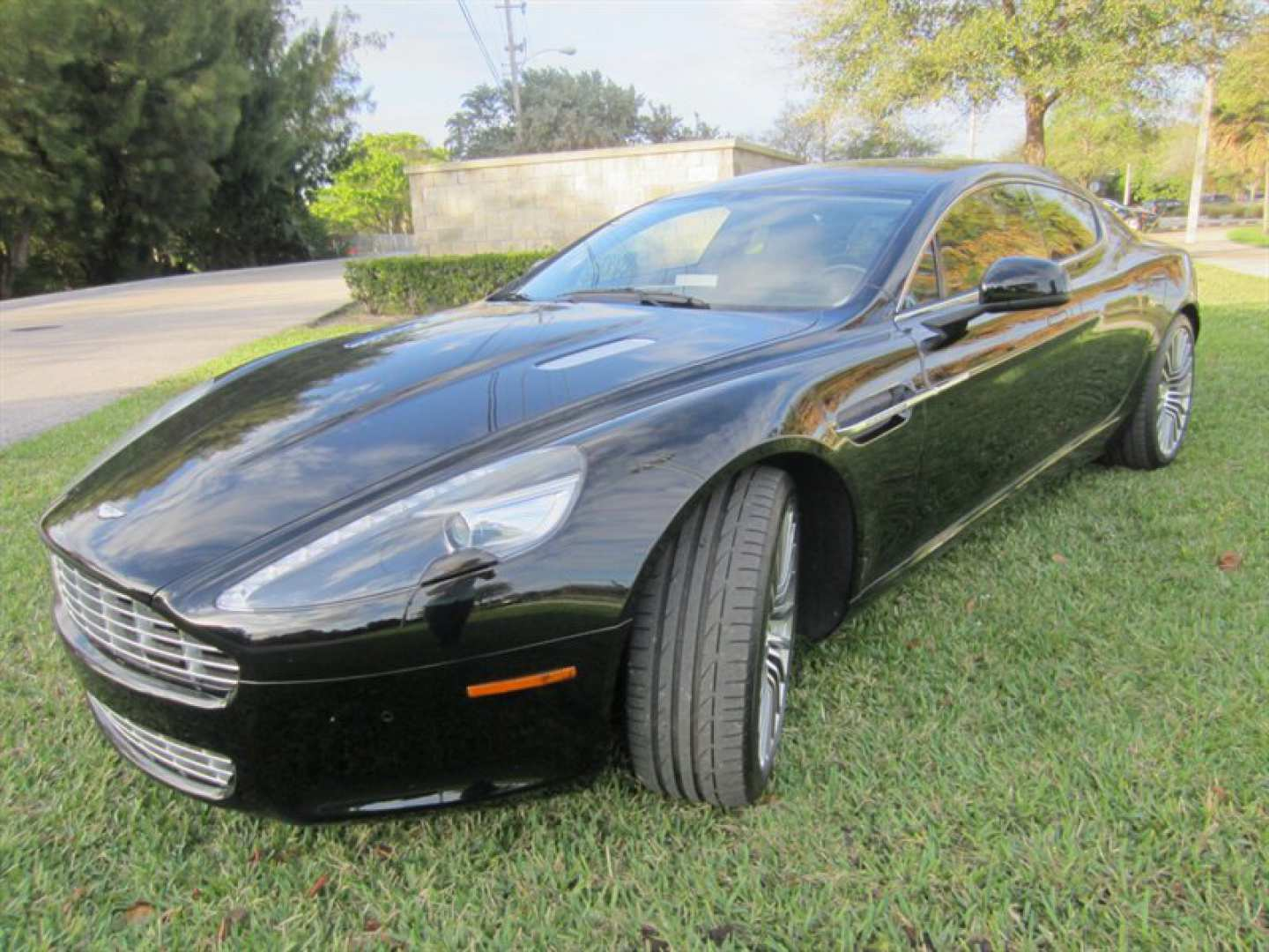 3rd Image of a 2011 ASTON MARTIN RAPIDE
