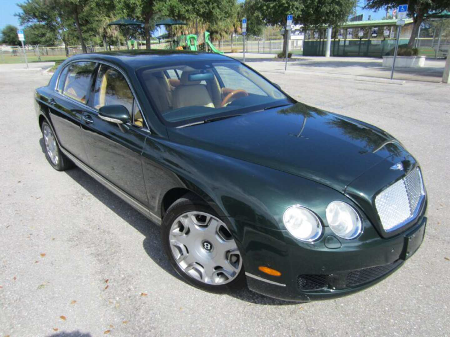3rd Image of a 2009 BENTLEY CONTINENTAL FLYING SPUR