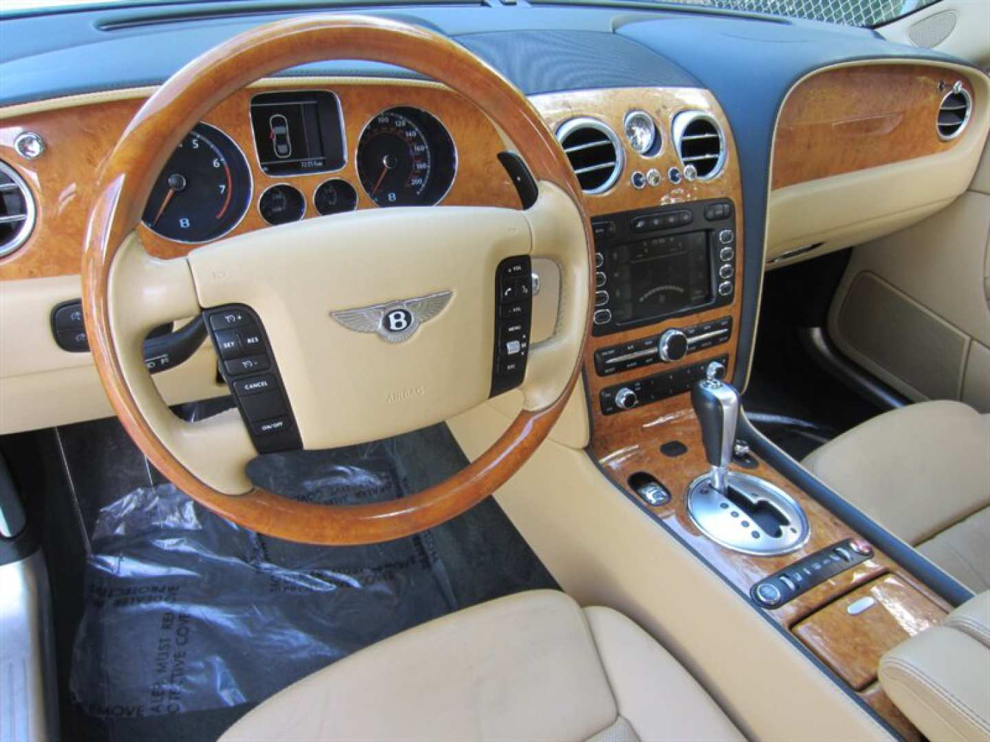 11th Image of a 2009 BENTLEY CONTINENTAL FLYING SPUR