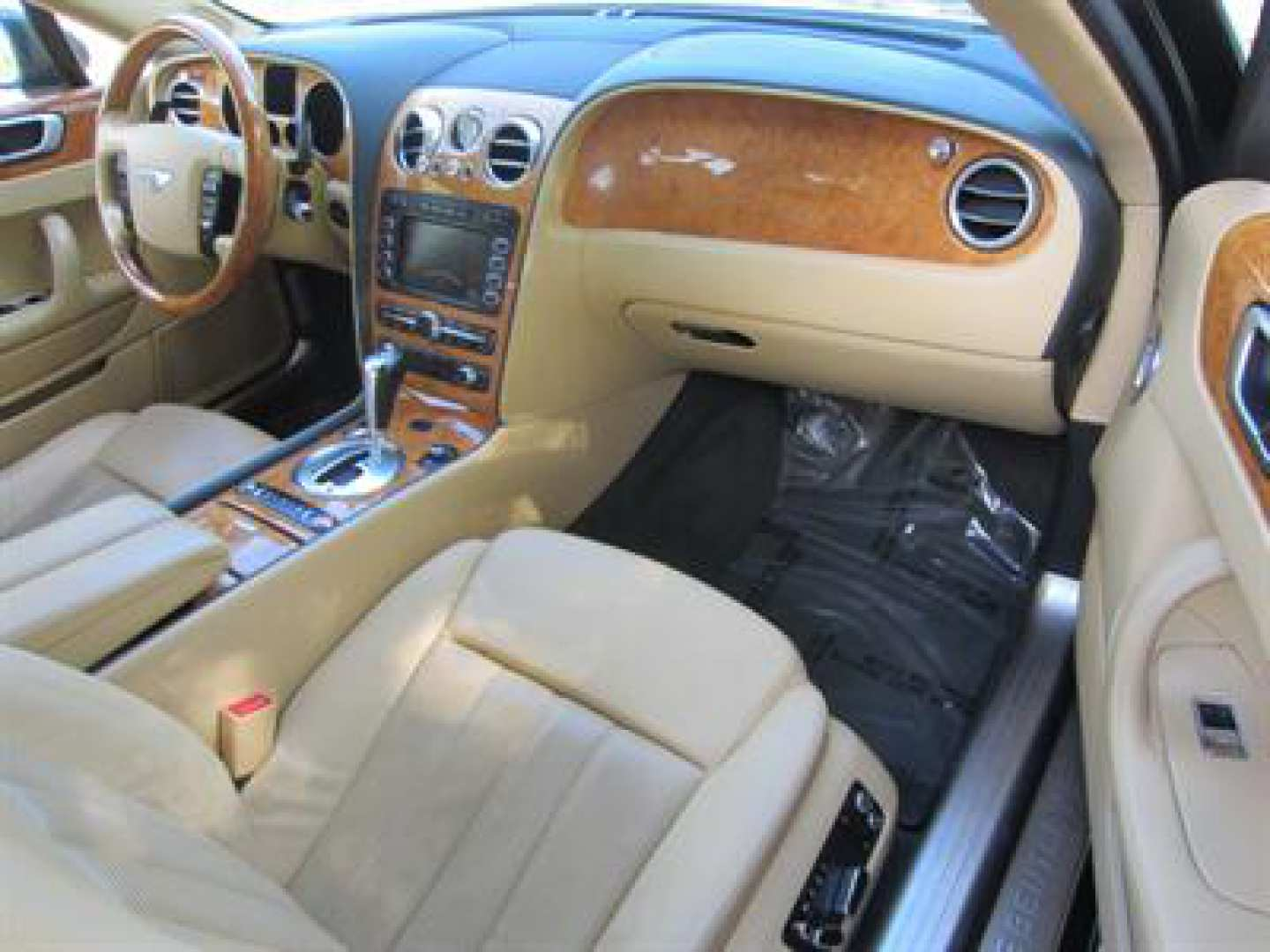 14th Image of a 2009 BENTLEY CONTINENTAL FLYING SPUR