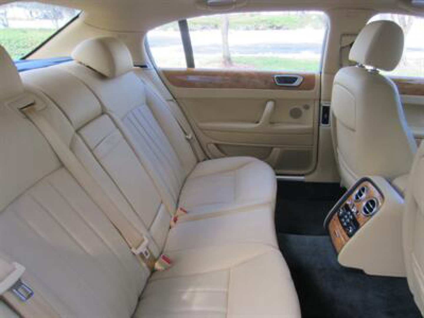 15th Image of a 2009 BENTLEY CONTINENTAL FLYING SPUR