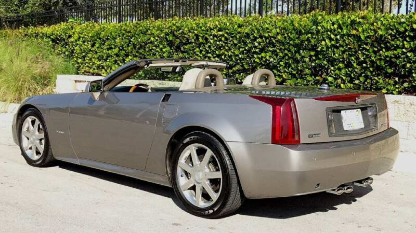 6th Image of a 2004 CADILLAC XLR ROADSTER
