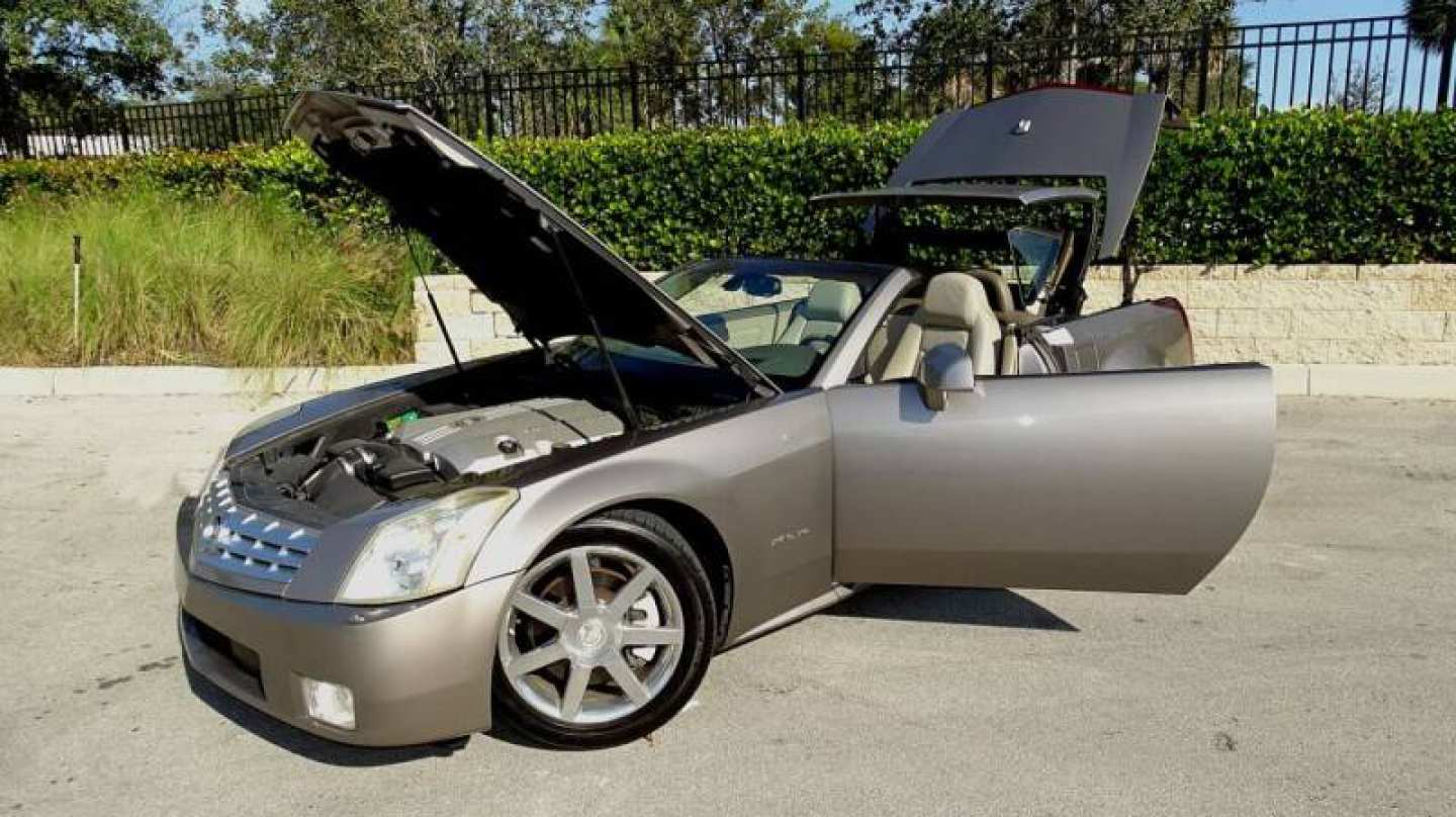 8th Image of a 2004 CADILLAC XLR ROADSTER