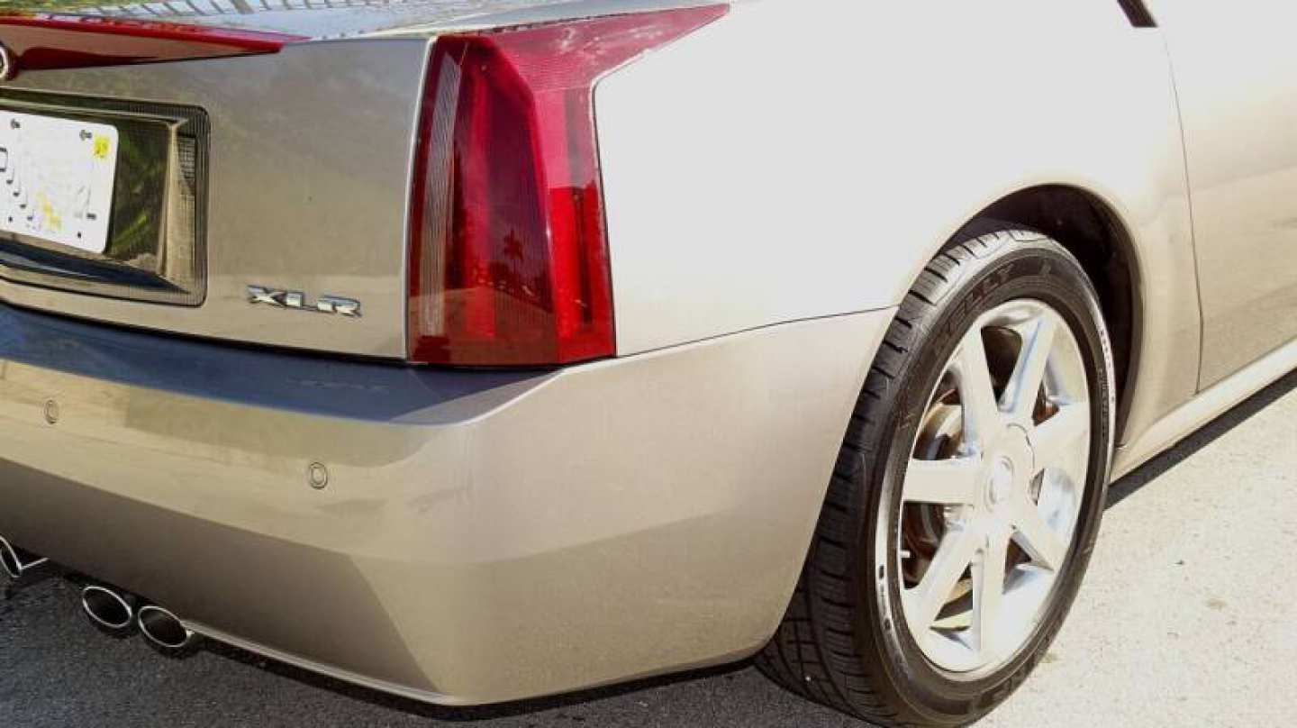 10th Image of a 2004 CADILLAC XLR ROADSTER