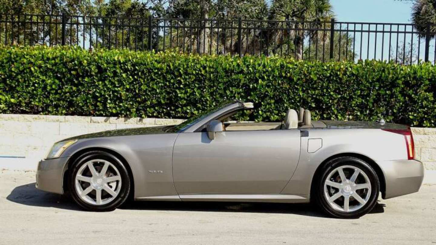 53rd Image of a 2004 CADILLAC XLR ROADSTER