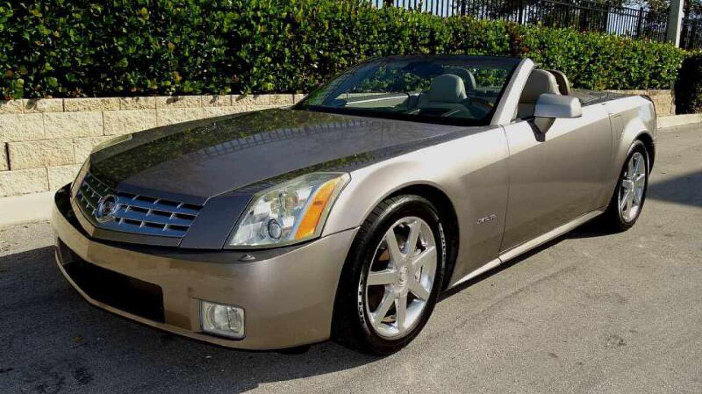 54th Image of a 2004 CADILLAC XLR ROADSTER