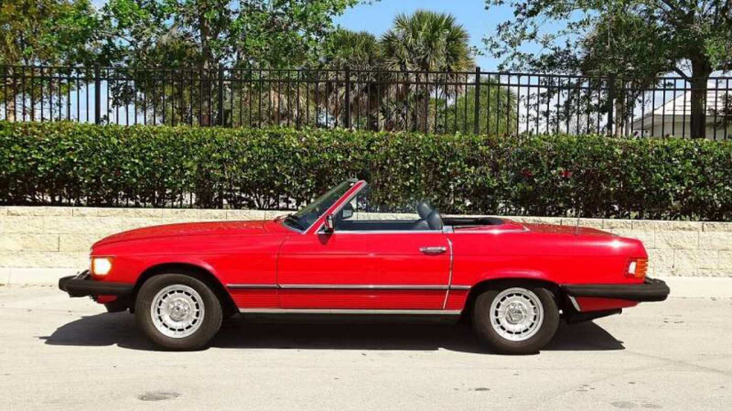 2nd Image of a 1985 MERCEDES-BENZ 380SL