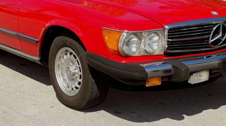 11th Image of a 1985 MERCEDES-BENZ 380SL