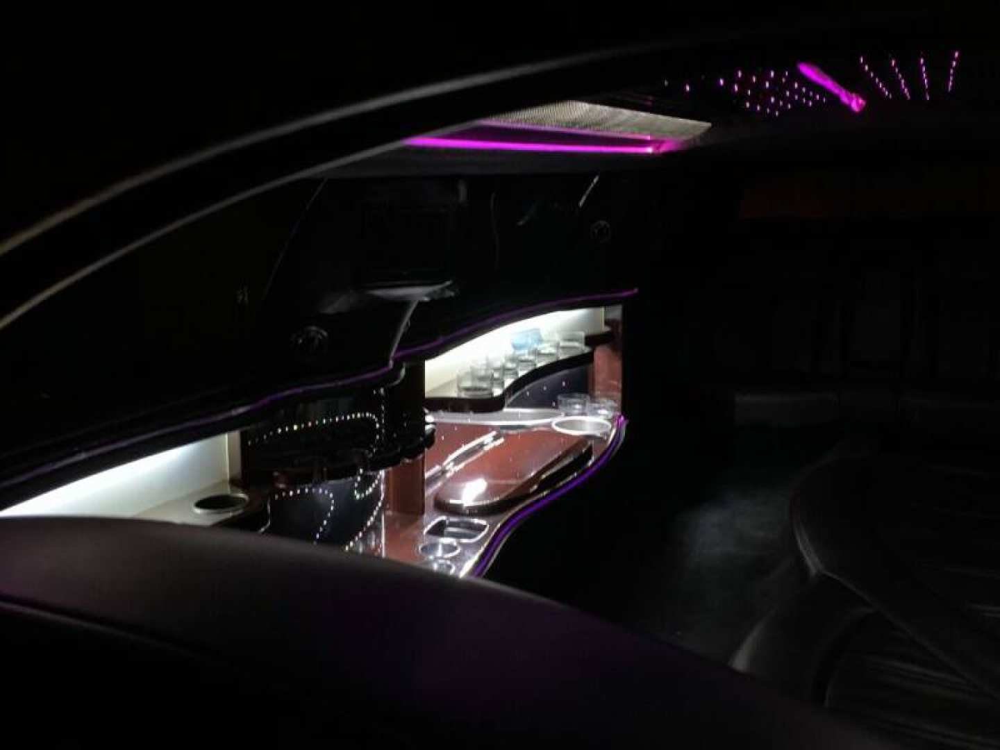 6th Image of a 2011 LINCOLN CONTINENTAL