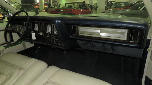 7th Image of a 1979 LINCOLN MARK V