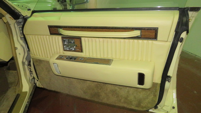 12th Image of a 1983 CADILLAC SEVILLE
