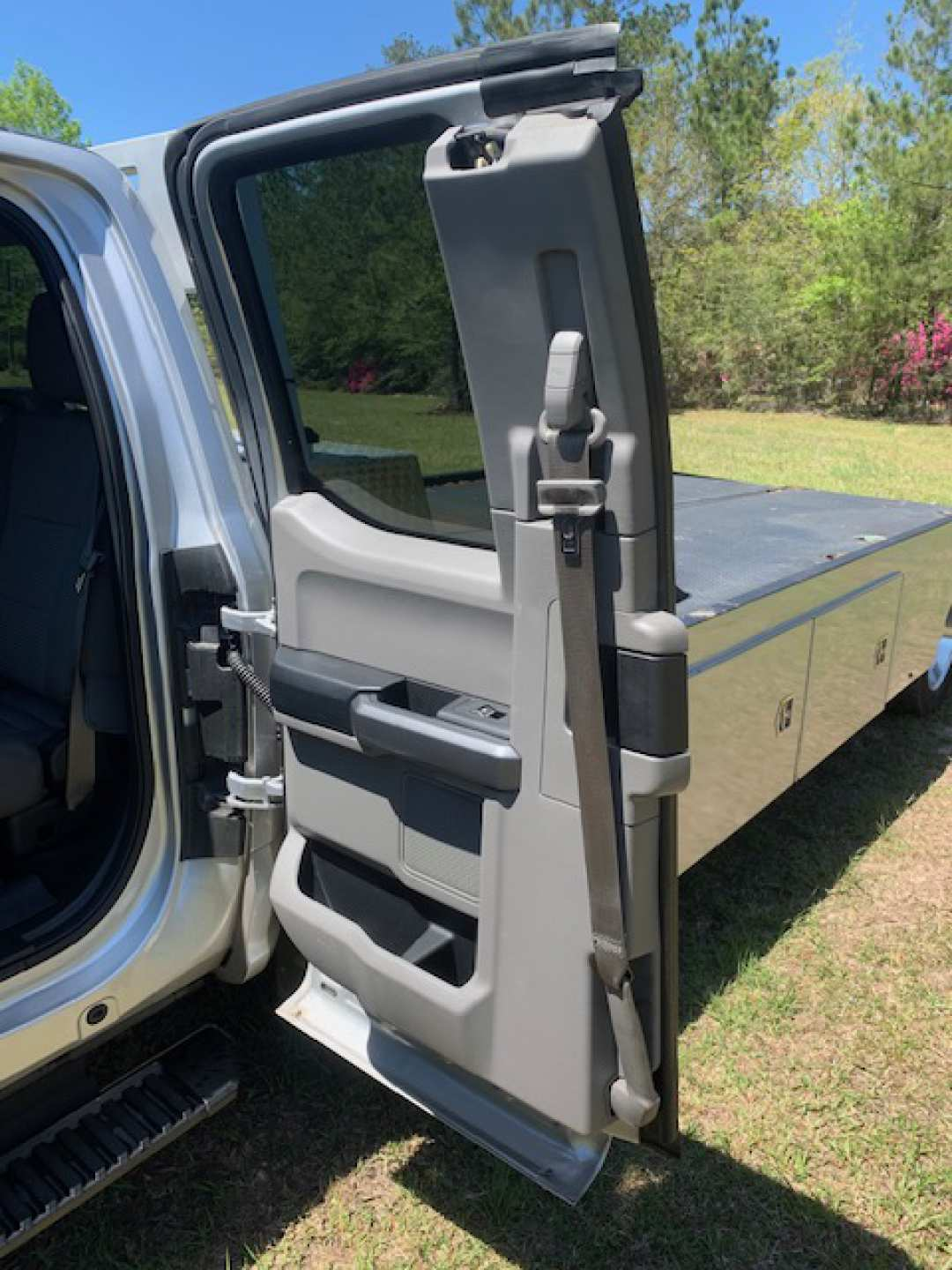 8th Image of a 2017 FORD F-550 F SUPER DUTY