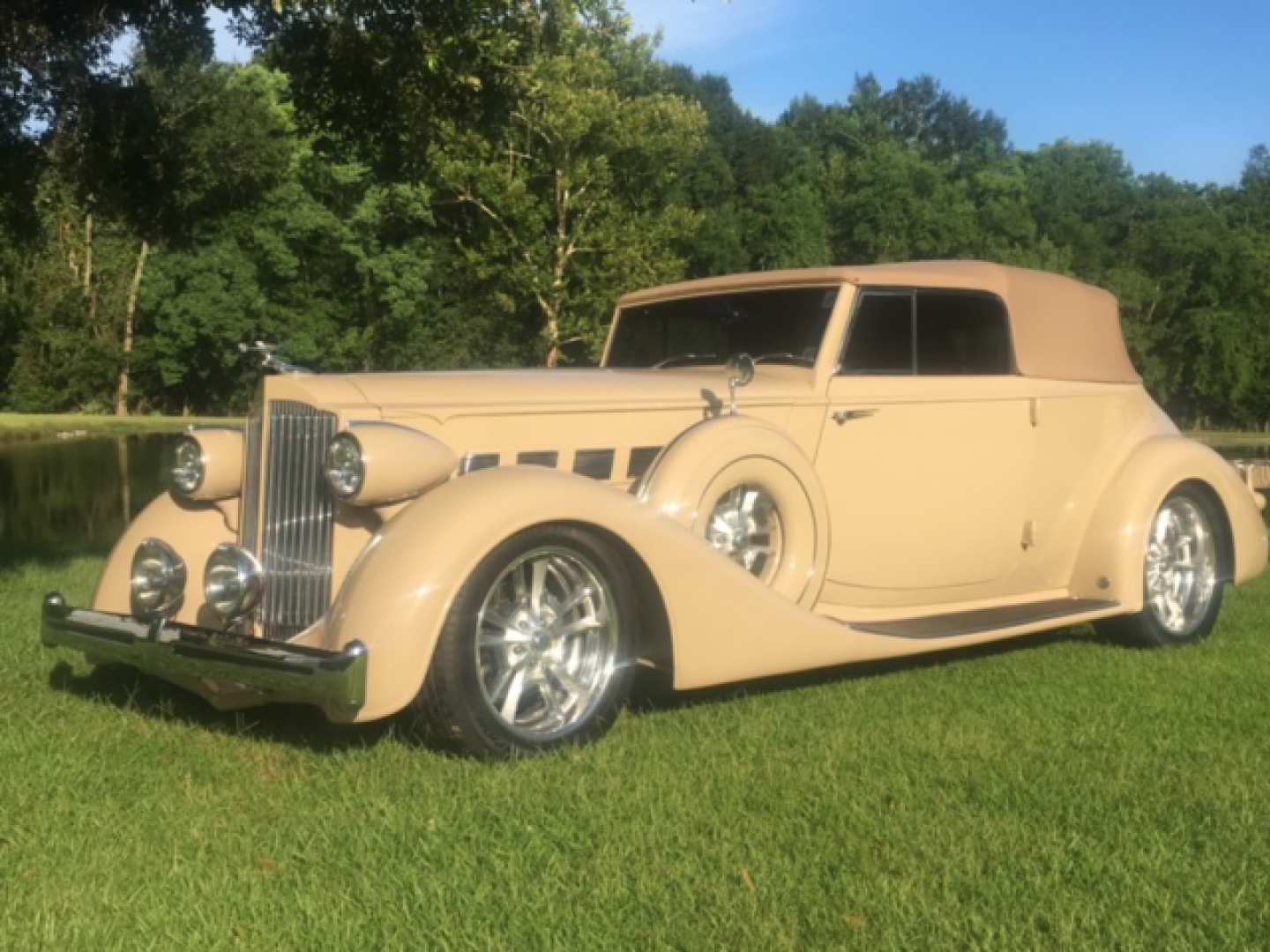 2nd Image of a 1935 PACKARD VICTORIA