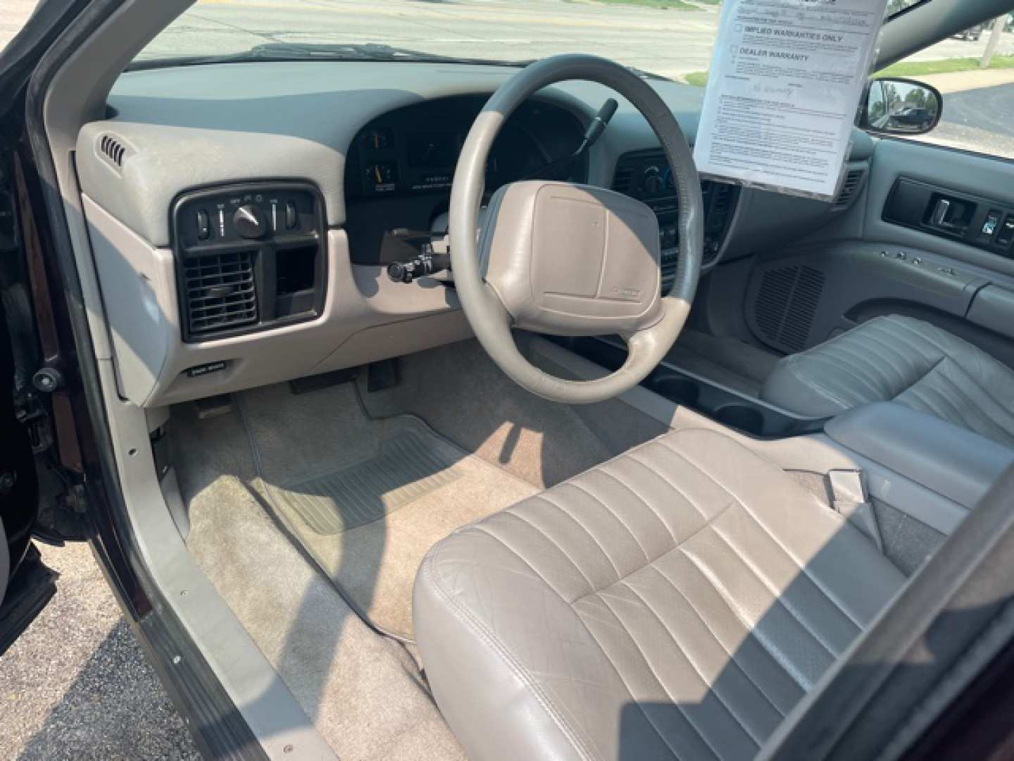 4th Image of a 1995 CHEVROLET IMPALA