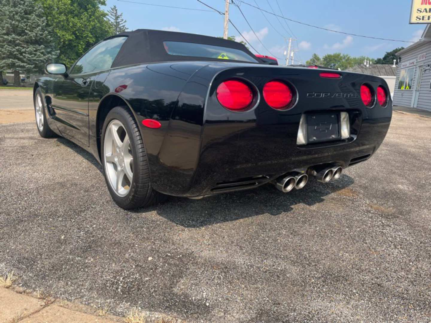 2nd Image of a 1998 CHEVROLET CORVETTE
